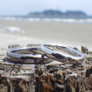 イリジウム割プラチナとタンタルの白黒のコントラストの結婚指輪 Platinum & Tantalum Rings
