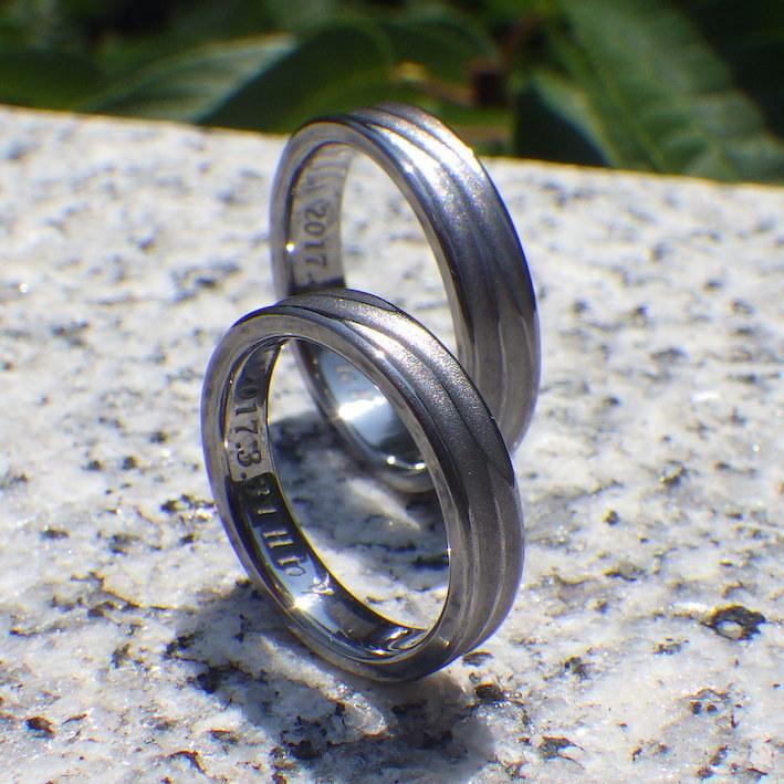 風のイメージのデザイン・タンタルの結婚指輪 Tantalum Rings