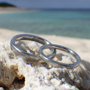 綾目ヘアライン仕上げのイリジウムの結婚指輪 Iridium Rings