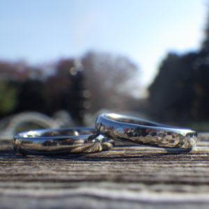 着け心地が良くメンテナンスフリー・ハフニウムの結婚指輪 Hafnium Rings