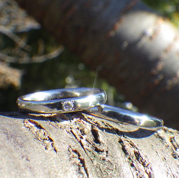 ダイヤモンドとハフニウムの美しい調和・ハフニウムの結婚指輪 Hafnium Rings