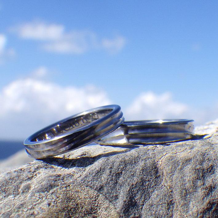 穏やかな波の彫刻・タンタルの結婚指輪 Tantalum Rings