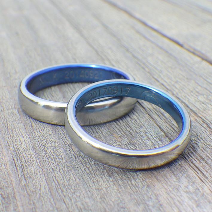 イルカのモチーフが素敵!ロイヤルブルーの結婚指輪 Hafnium Rings
