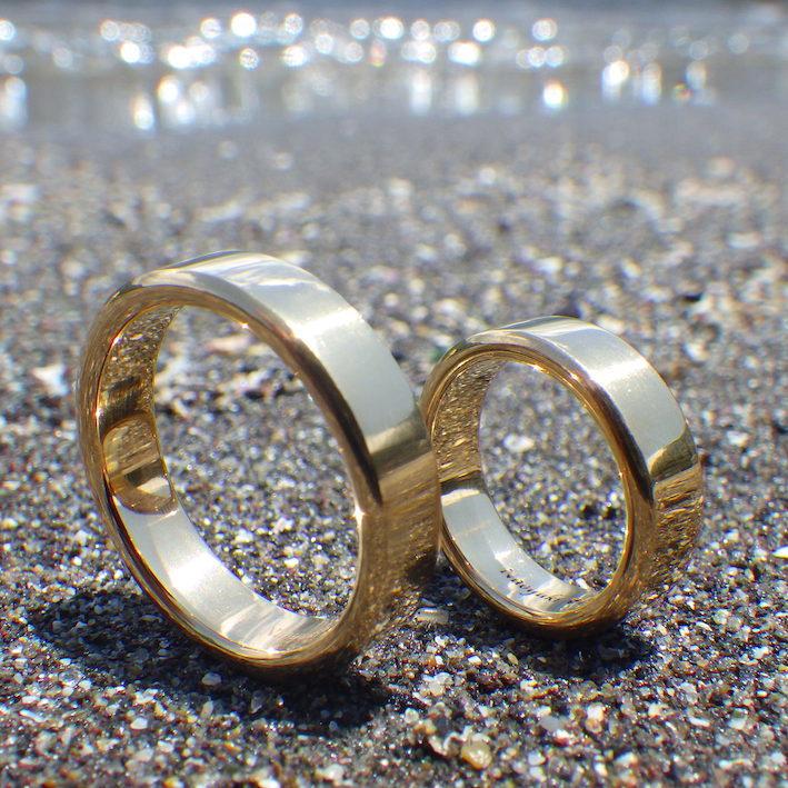 色鮮やか!22金イエローゴールドの結婚指輪 22K Yellow Gold & Rings