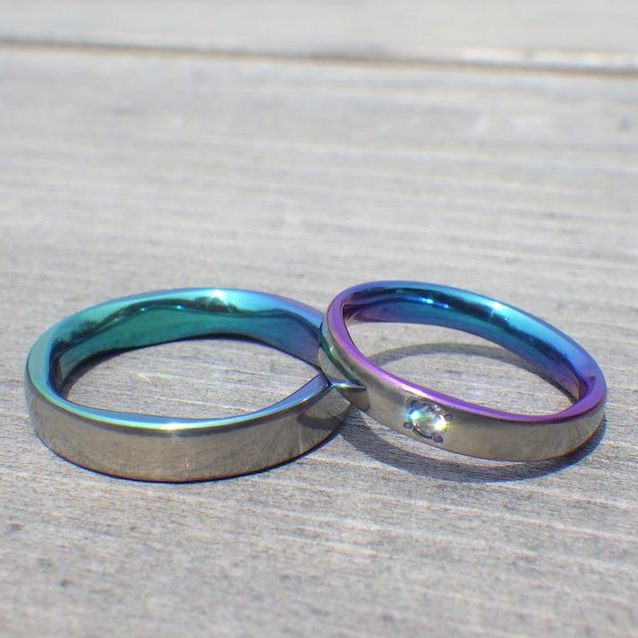 鮮やかなグラデーションの発色・ジルコニウムの結婚指輪 Zirconium Rings