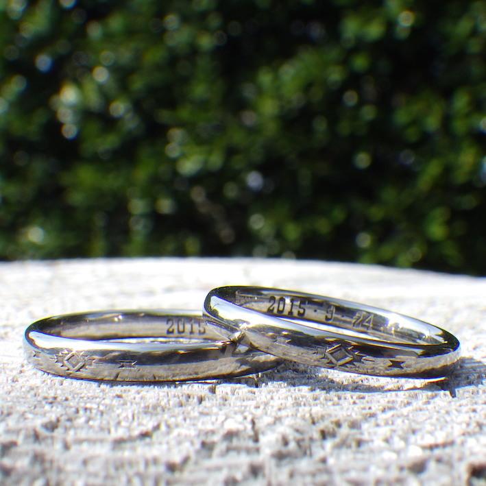 金属アレルギーの原因にならないニオブの結婚指輪 Niobium Rings