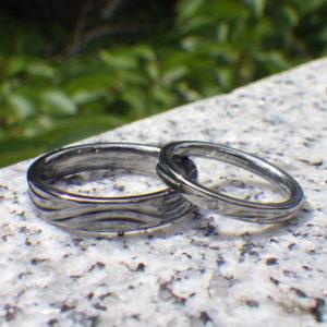 試作を確認できる、きめ細やかなオーダーメイド・タンタルとハフニウムの結婚指輪 Tantalum & Hafnium Rings