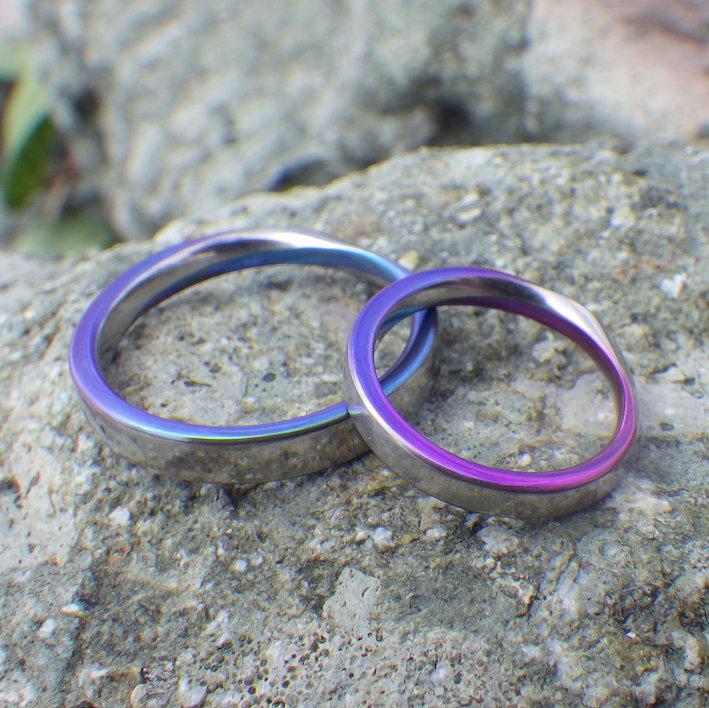 人気のメビウスの輪のデザインに、ジルコニウムの発色 Zirconium Rings