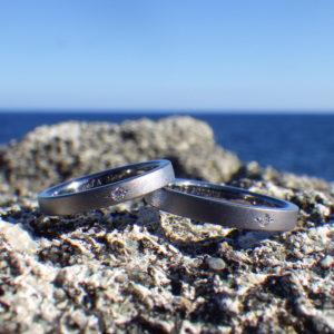 彫り留めのダイヤモンドが美しい!タンタルの結婚指輪 Tantalum Rings