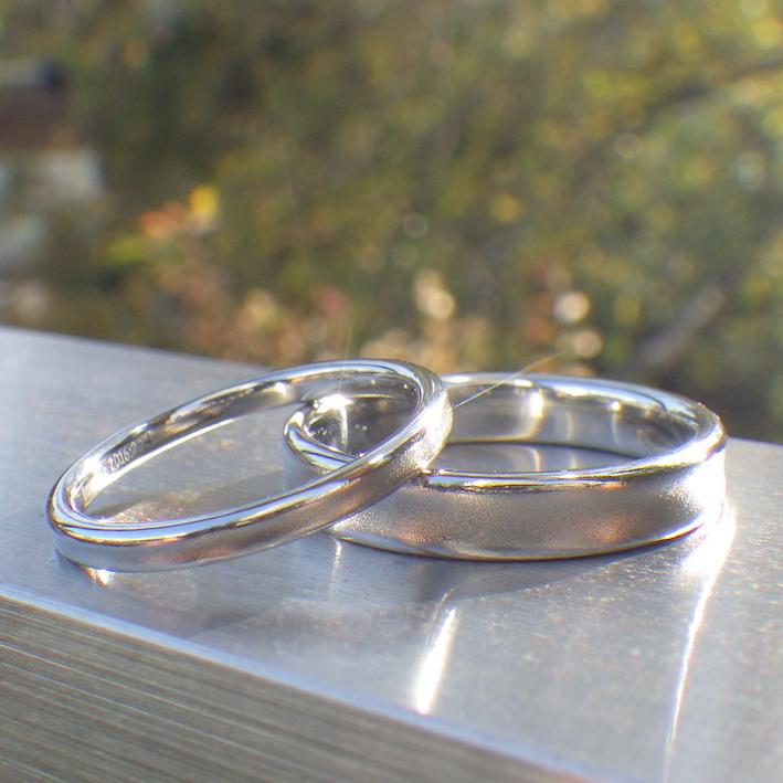 サプライズの段取りでお作りさせていただいたハフニウムの結婚指輪 Hafnium Rings