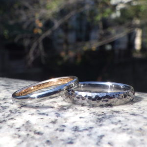 金属そのものの美しさをデザインに・タンタル、ハフニウム、オレンジゴールドの結婚指輪 Tantalum Hafnium Orange gold Rings