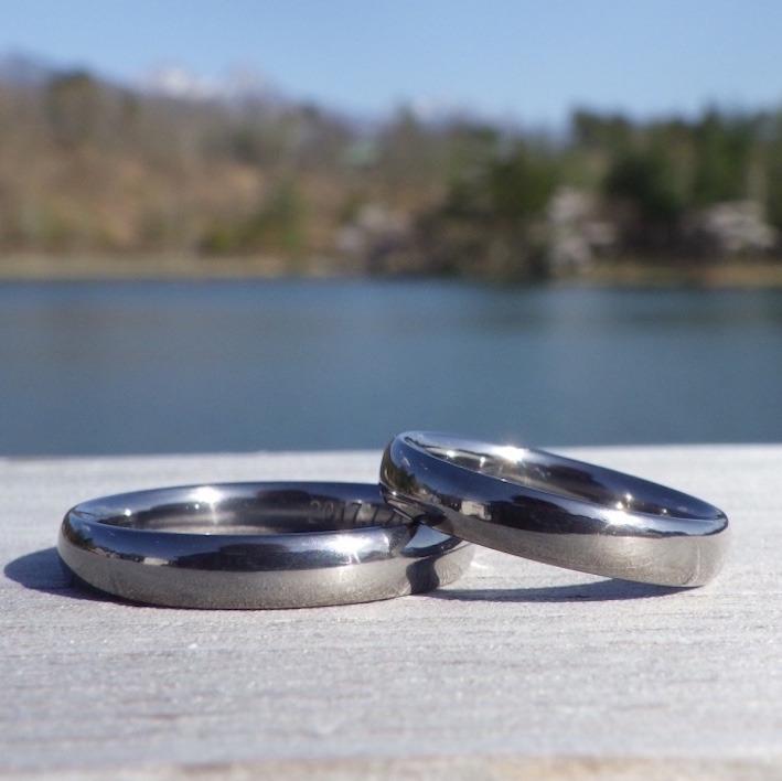 生涯に渡って心地よさを感じられるタンタルの結婚指輪 Tantalum Rings