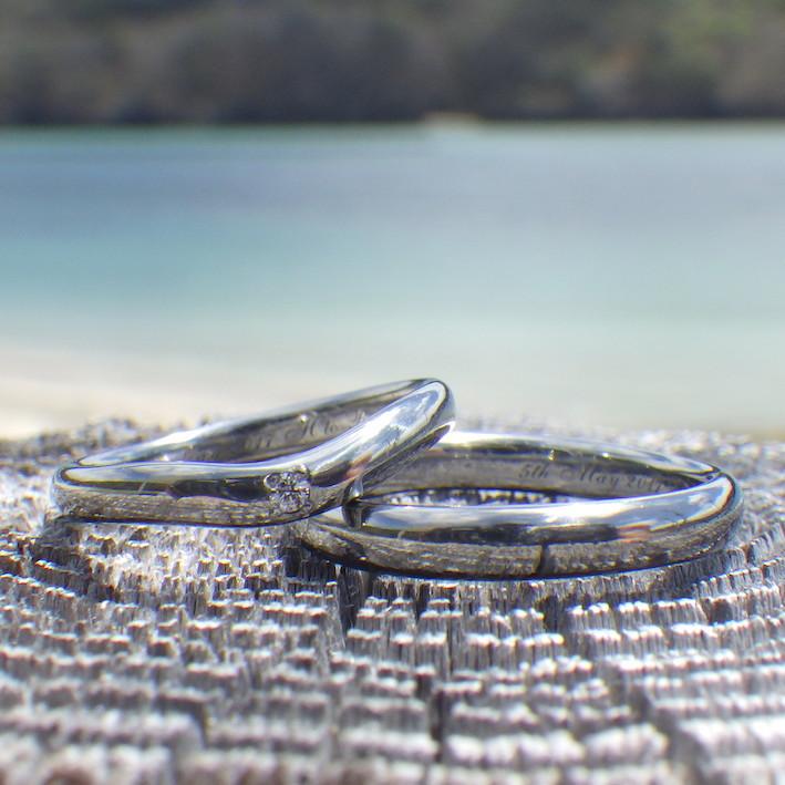 ウェーブの曲線が美しい!ハフニウムの結婚指輪 Hafnium Rings