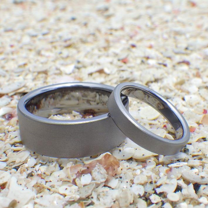 要素を絞ると素材の良さが引き立つ!タンタルの結婚指輪 Tantalum Rings