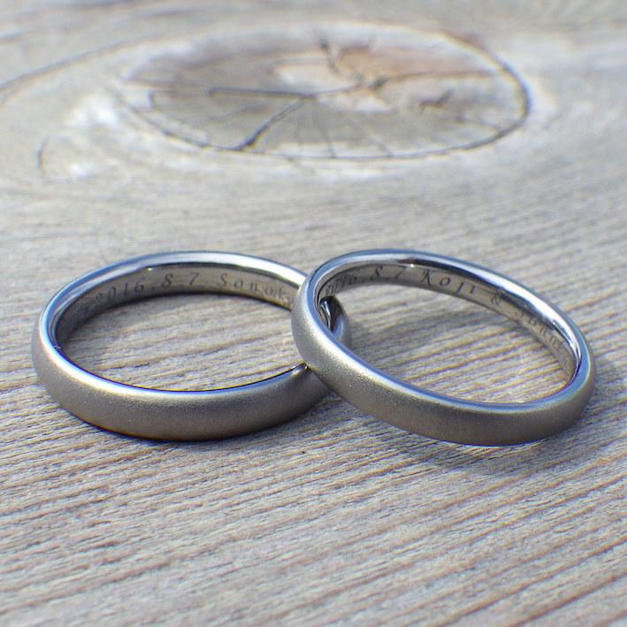 他のどんな素材とも似ていない雰囲気・タンタルの結婚指輪 Tantalum Rings