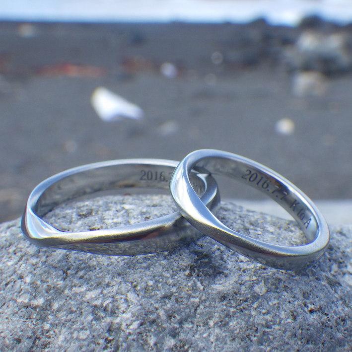 美しいハフニウムの輝き・ハフニウムの結婚指輪 Hafnium Rings
