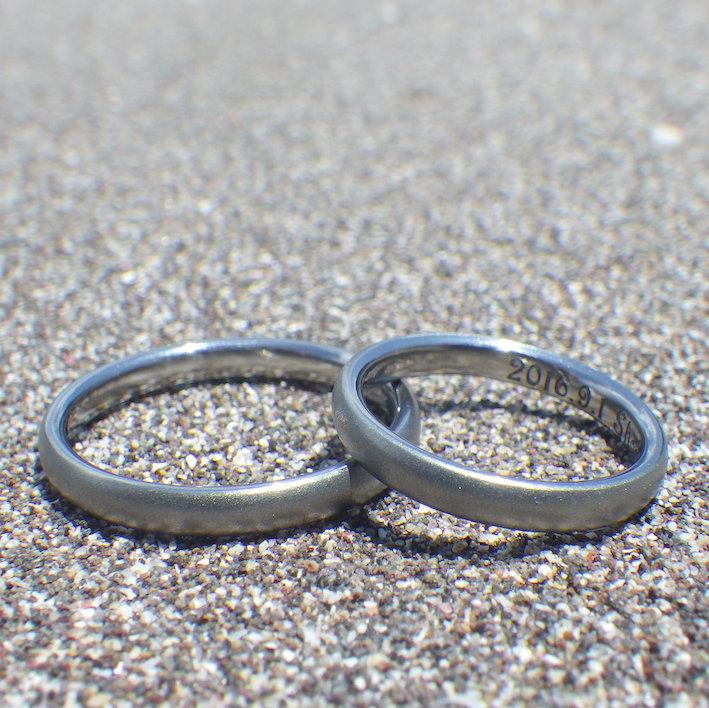 海水に濡れても一切サビや腐食は無し・ハフニウムの結婚指輪 Hafnium Rings