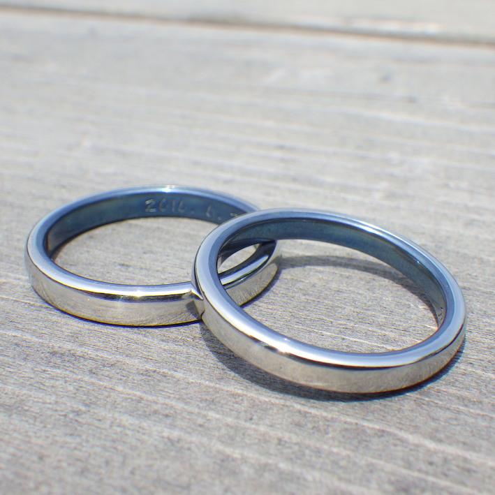 イリジウムとチタンのブルーの組み合わせが美しい結婚指輪 Iridium × Titanium Rings