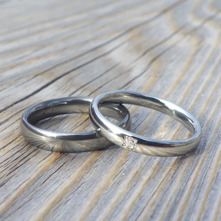 酸窒化処理をしたタンタル超硬質仕上げ!タンタルとハフニウムの結婚指輪 Tantalum & Hafnium Rings