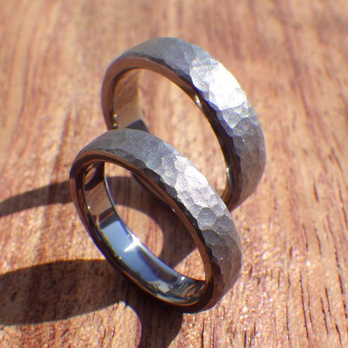 黒くて重量感のある渋いレアメタル・タンタルの結婚指輪 Tantalum Rings