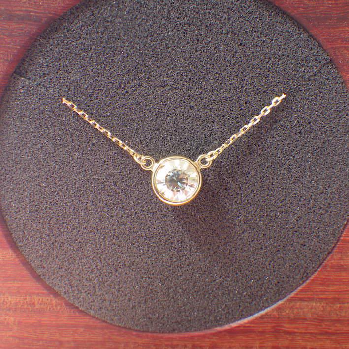 ディアナサンダイヤモンド『ジャン・ル・ブルー』のネックレス