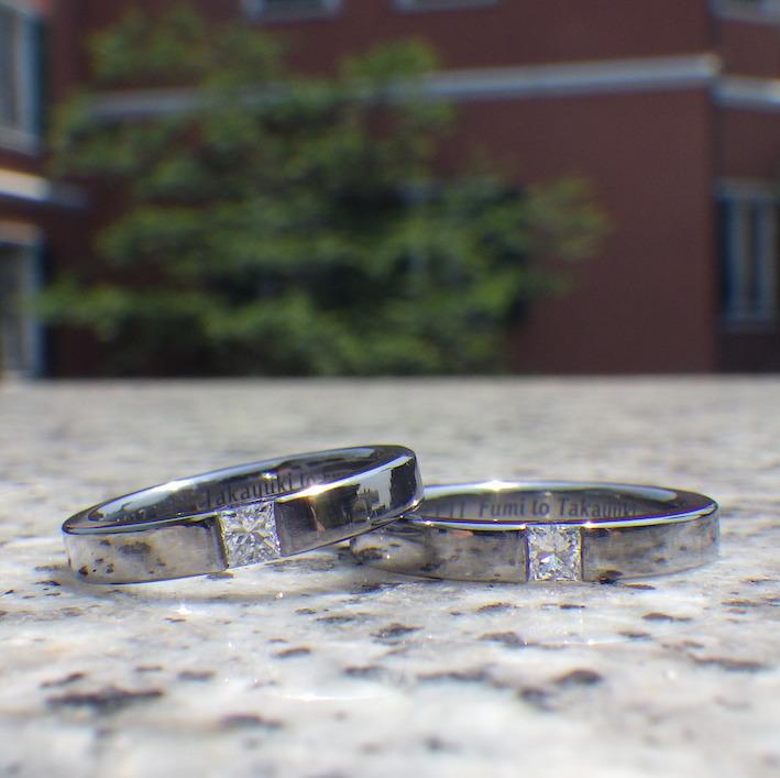 人気のプリンセスハグセッティング!タンタルの結婚指輪 Tantalum Rings