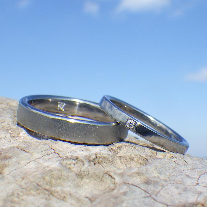 お持ち込みのダイヤモンドを石留め・ハフニウムの結婚指輪 Hafnium Rings