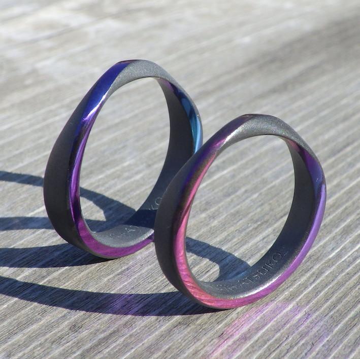 発色する性質を持つレアメタル・ジルコニウムの結婚指輪 Zirconium Rings