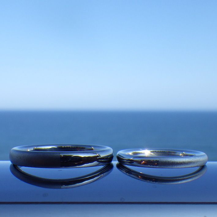 イリジウム割プラチナとタンタルの美しいペアリング Platinum & Tantalum Rings