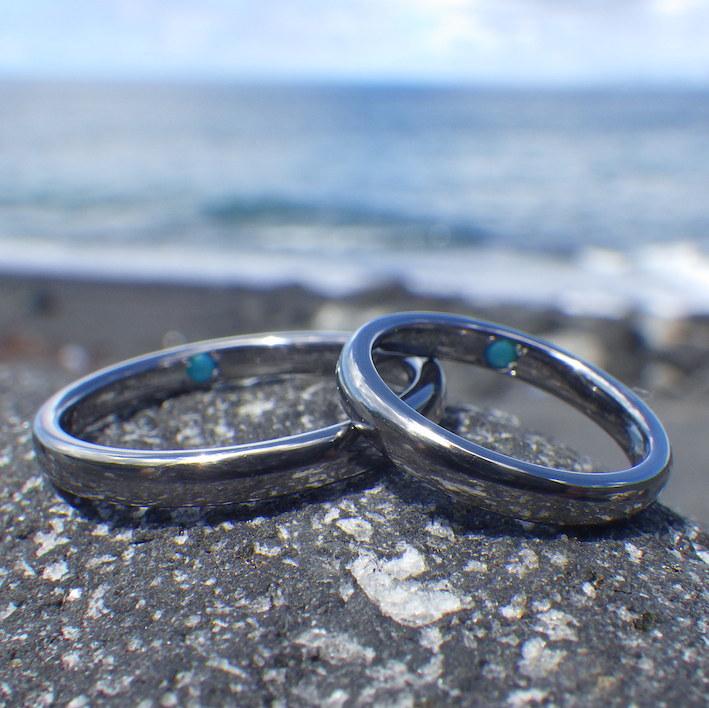 タンタルとターコイズの美しい色合わせ・タンタルの結婚指輪 Tantalum Rings