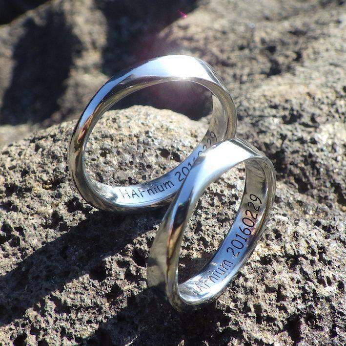 自分の身につける物に意識的な方へ。ハフニウムの結婚指輪 Hafnium Rings