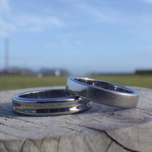 手描きの図案を「合わせ絵」に・ハフニウムの結婚指輪 Hafnium Rings
