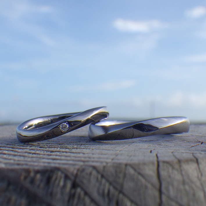 アトピーでも安心してずっと着けられるニオブの結婚指輪 Niobium Rings