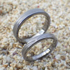 大好きな海を結婚指輪のデザインに・タンタルの結婚指輪 Tantalum Rings