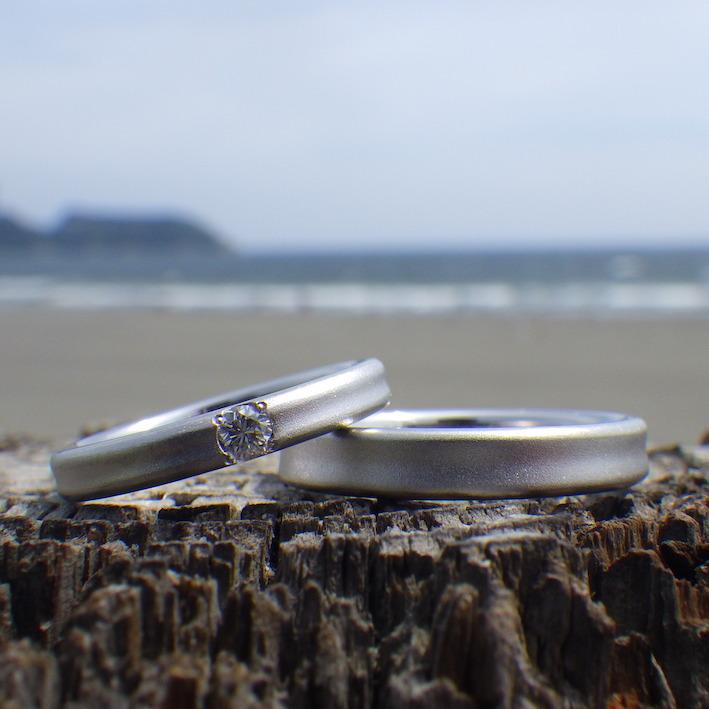 金属アレルギーに配慮したイリジウム割プラチナの結婚指輪 Tantalum Rings