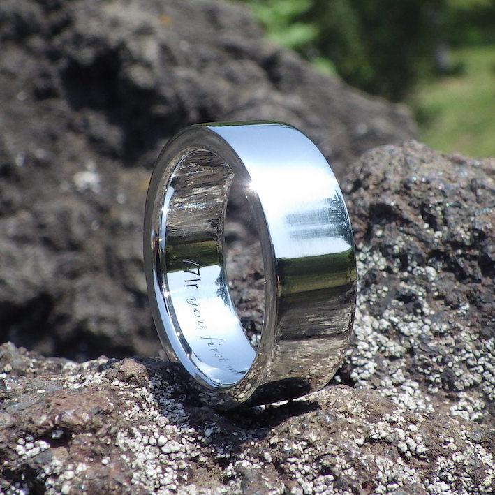 宇宙で最も希少な金属・イリジウムの重厚感のある指輪 Iridium Ring
