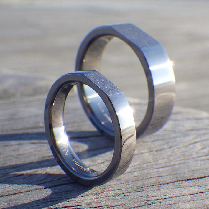 タンタルの重厚感を活かした結婚指輪 Tantalum Rings