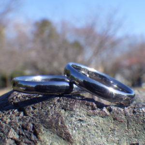 金属アレルギーの心配がないタンタルのマリッジリング  Tantalum Rings
