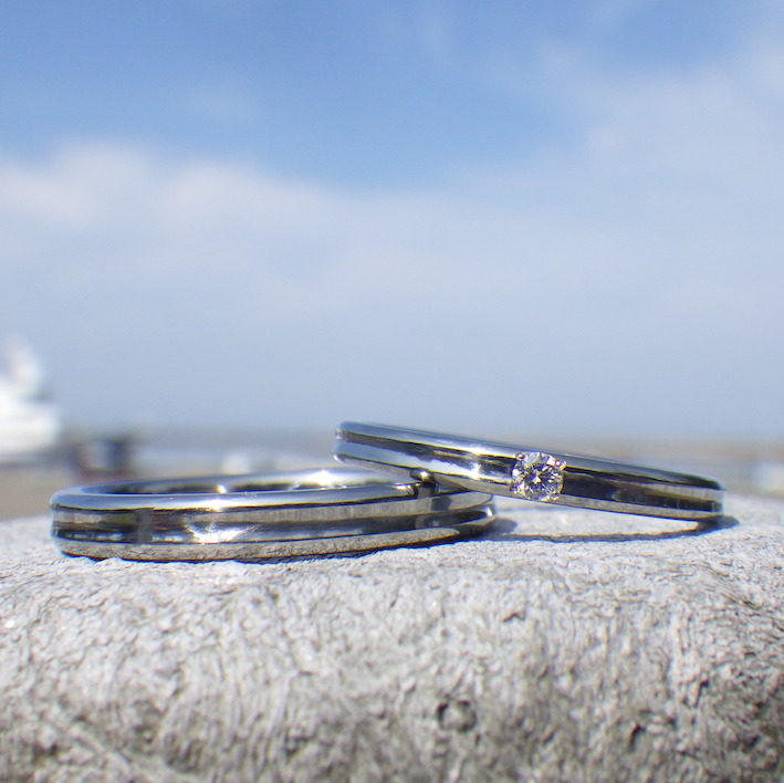 金属アレルギー反応の出ないハフニウムの結婚指輪 Hafnium Rings