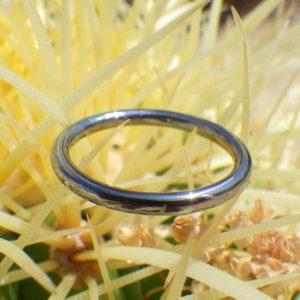 シンプルで静かな輝きのタンタルの結婚指輪 Tantalum Ring
