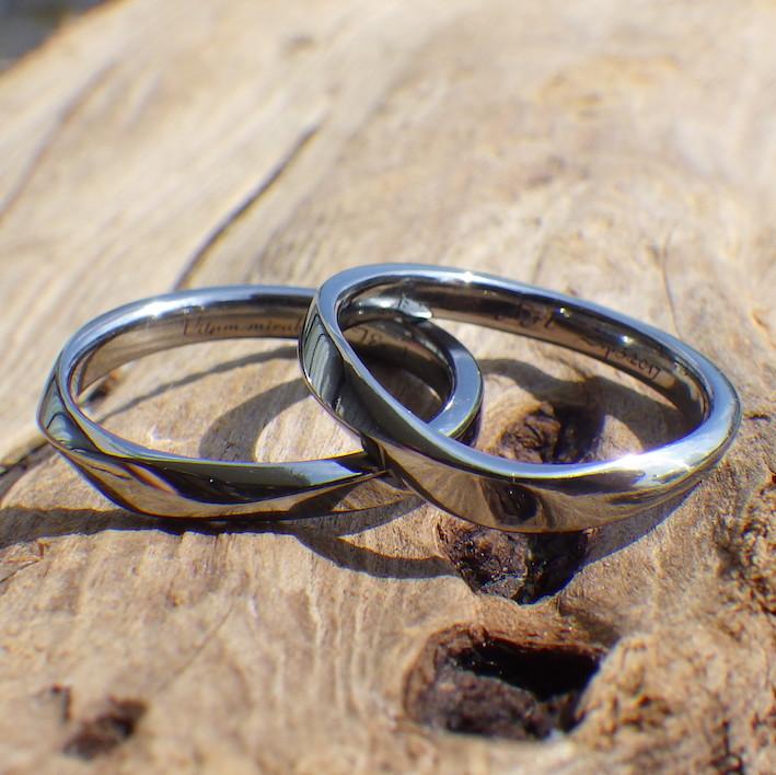 丈夫でメンテナンスフリー・ハフニウムの結婚指輪 Hafnium Rings