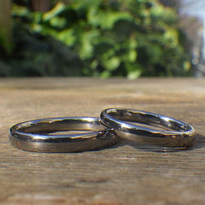金属アレルギーでも安心して着けられるタンタルの結婚指輪 Tantalum Rings