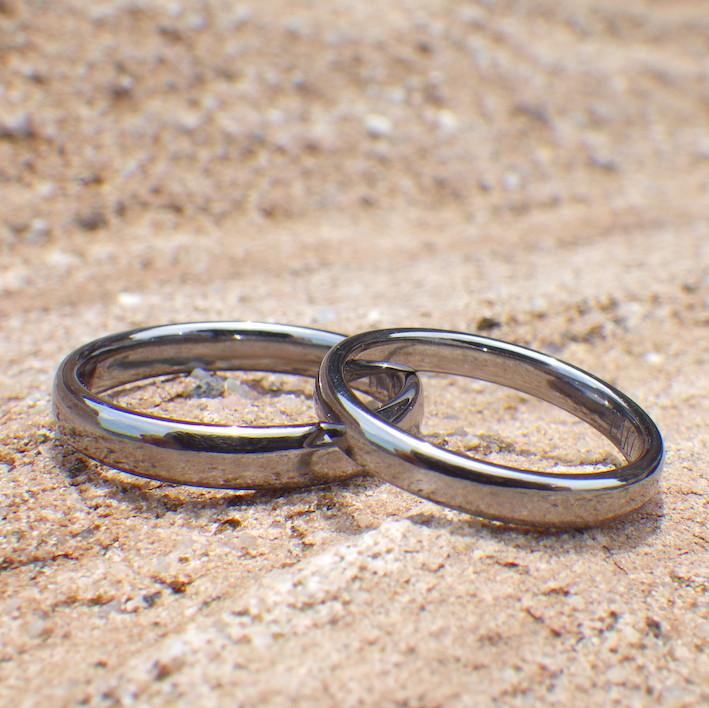 宇宙で最も黒い金属・タンタルの結婚指輪 Tantalum Rings
