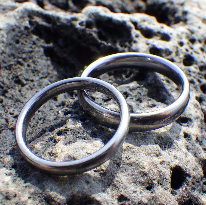 医療用途の安全な金属タンタルを宝飾用に転用・タンタルの結婚指輪 Tantalum Rings