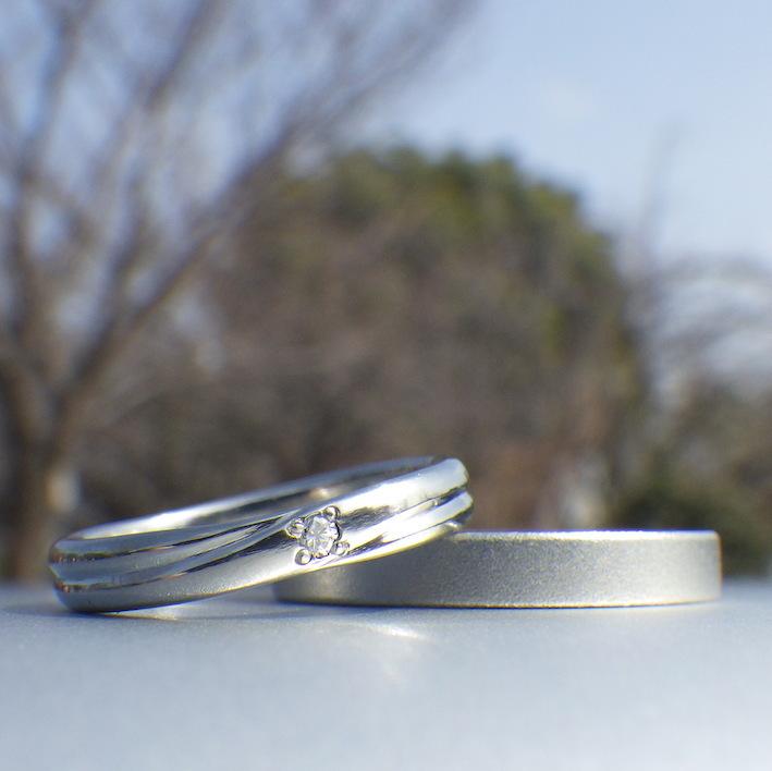 1つの材料から2つのハフニウムのリングを制作 Hafnium Rings