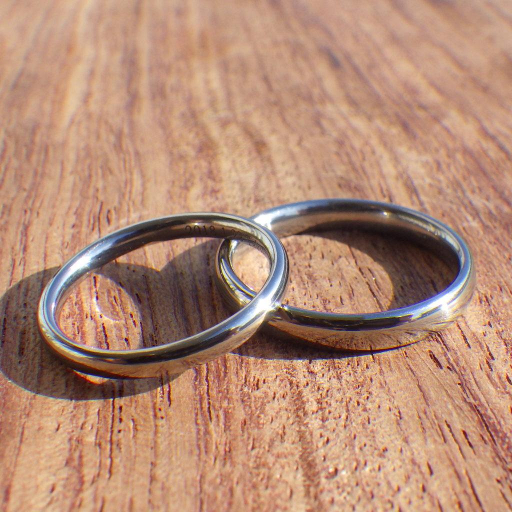 着けている感覚が無いほどの心地良さ!ハフニウムの結婚指輪 Hafnium Rings