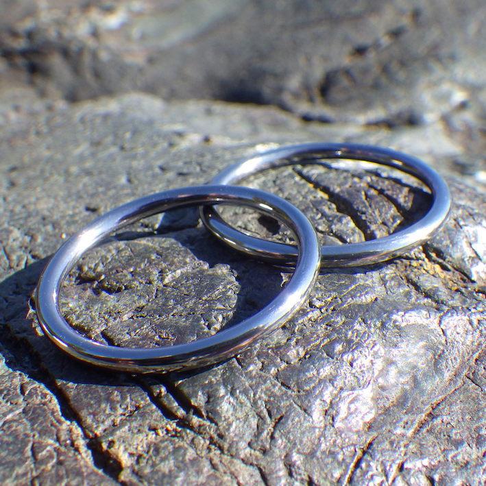 突き詰めたシンプリシティ・タンタルのセミオーダーリング Tantalum Rings