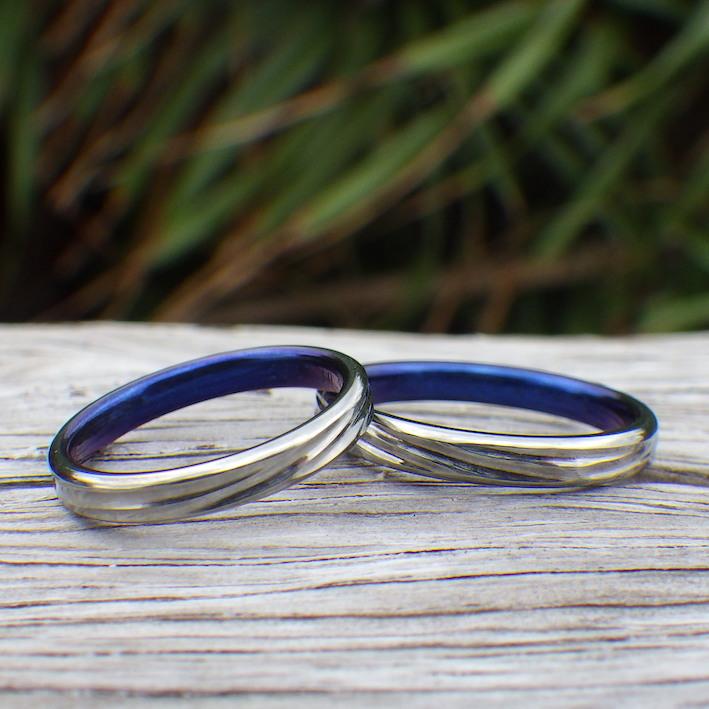 海のイメージのロイヤルブルー・ハフニウムの結婚指輪 Hafnium Rings