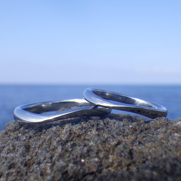 着けていることを忘れる着け心地!ハフニウムの結婚指輪 Hafnium Rings