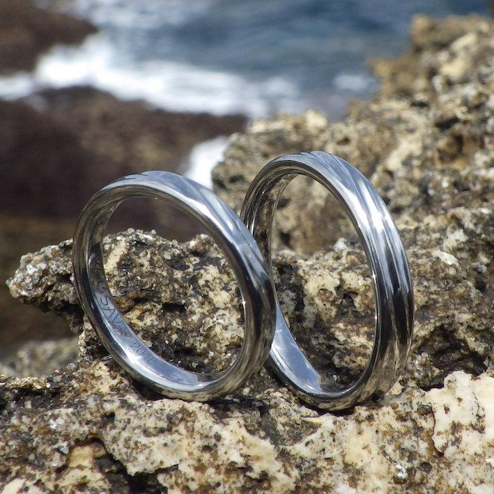 金属アレルギーの奥様を大事に想う気持ちを形に!ハフニウムの結婚指輪 Hafnium Rings